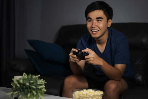 cina limita uso videogiochi per i minori